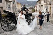 3-matrimonio-in-carrozza-con-cavalli-600x400